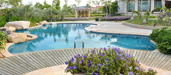 6 ways to make your swimming pool and backyard more luxurious - How to make a swimming pool in your backyard ...
