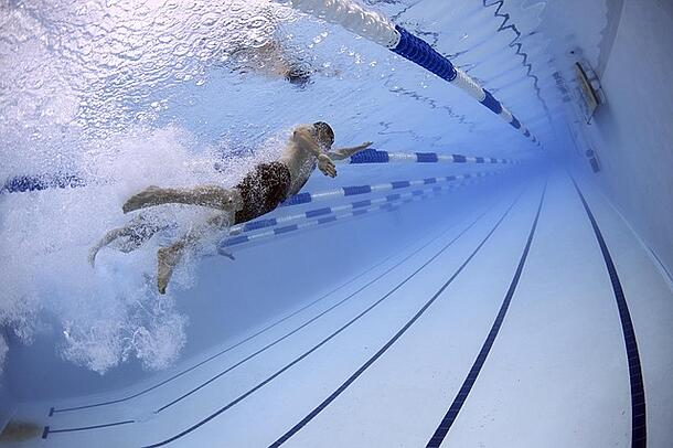 Swimming is a good way to stay fit